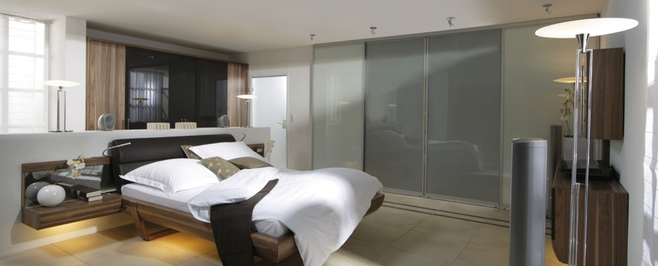 ihr schlafzimmer mit schiebet ren von und mit inova gestalten. Black Bedroom Furniture Sets. Home Design Ideas