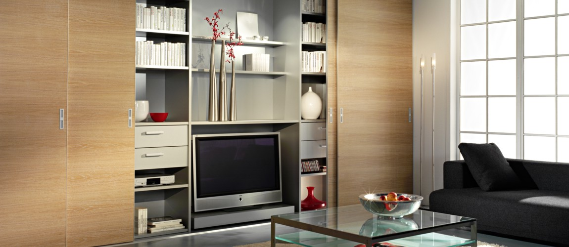 Wohnzimmer mit Schiebetüren von und mit Inova gestalten